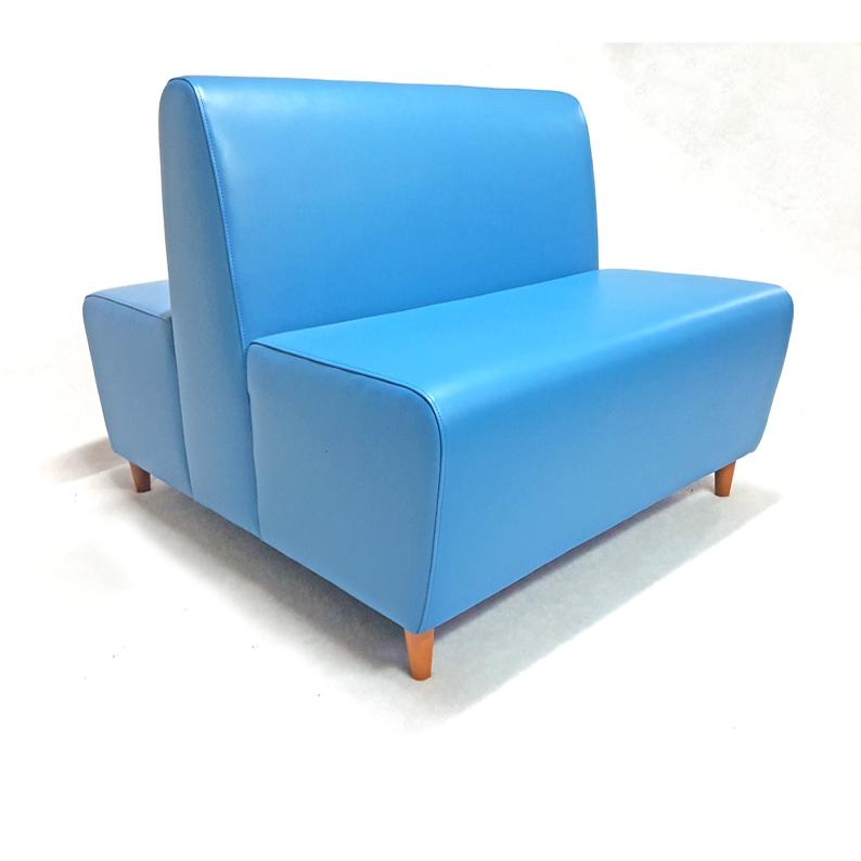Sof cl sico doble sillas mesas hosteler a for Sofa exterior plegable